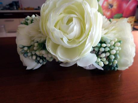 Kvetinova svadobna trendy celenka,