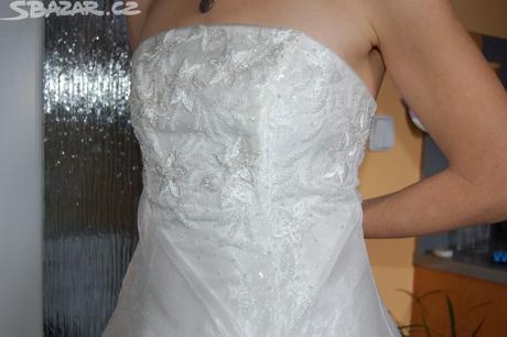 Svatební šaty, 38