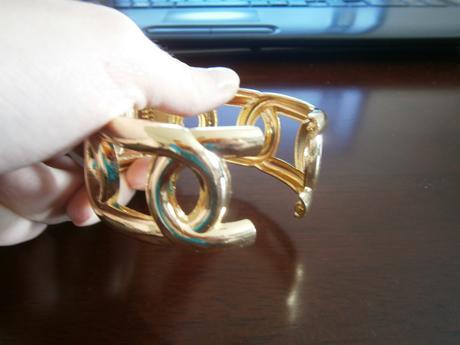 zlatý náramok,