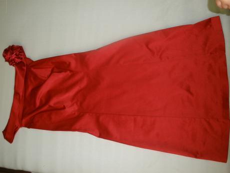 červene spolocenske šaty, 36