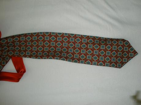 kravata,