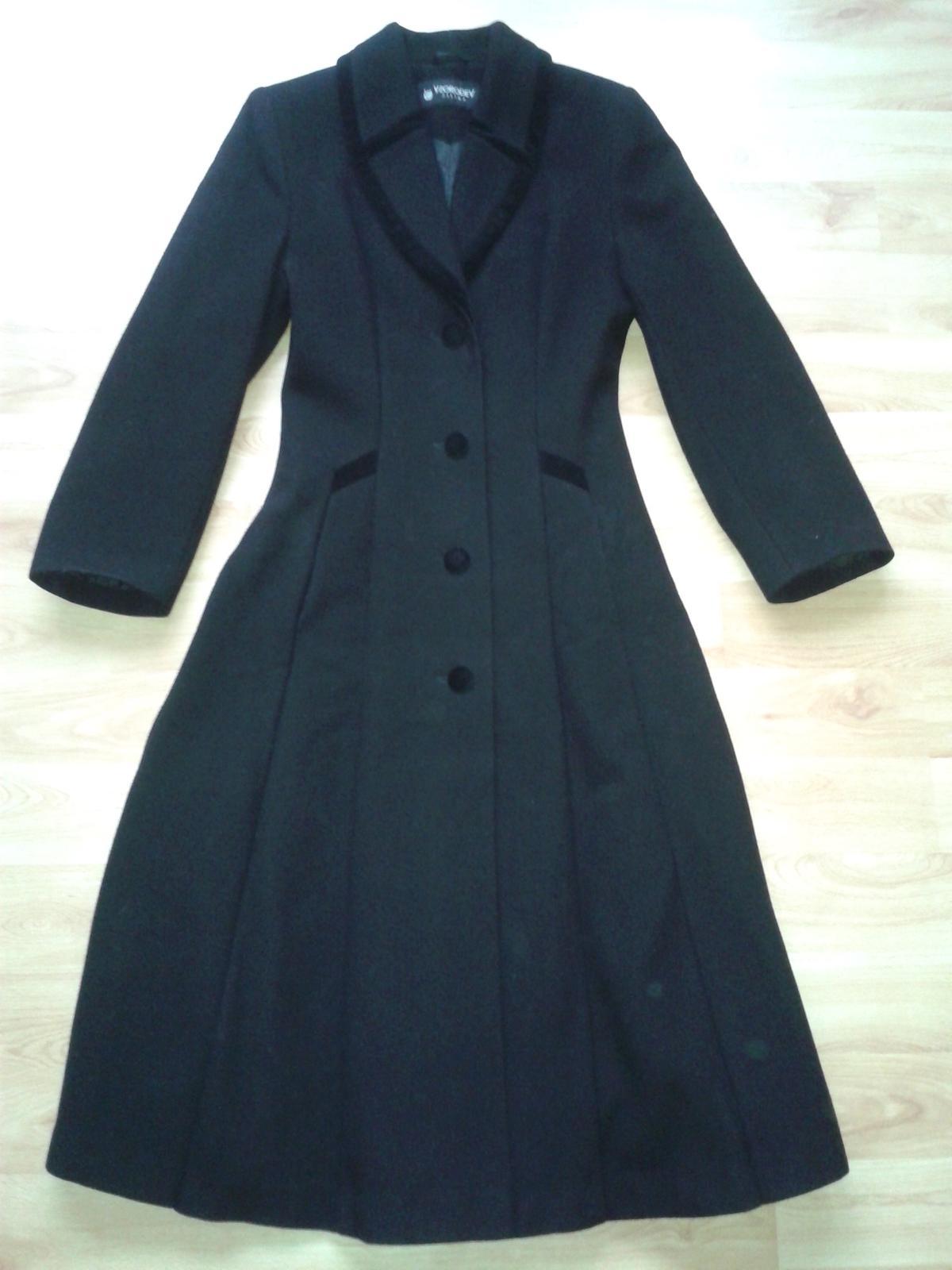 b299ae059bf7 Dámsky kabát