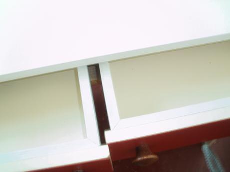 kozmetycký stolík.,