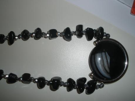 náhrdelník z hematitu,
