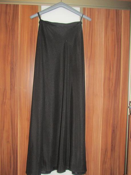 Čierne korzetové šaty, 38