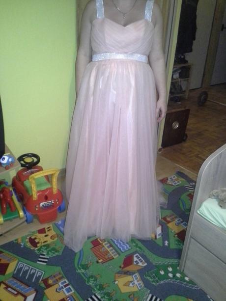Broskyňove šaty, 42