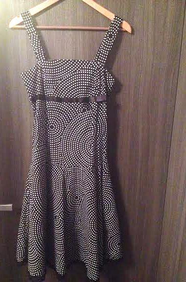 retro bodkové šaty , M