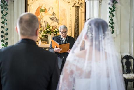 Jednou použité svatební šaty, 42