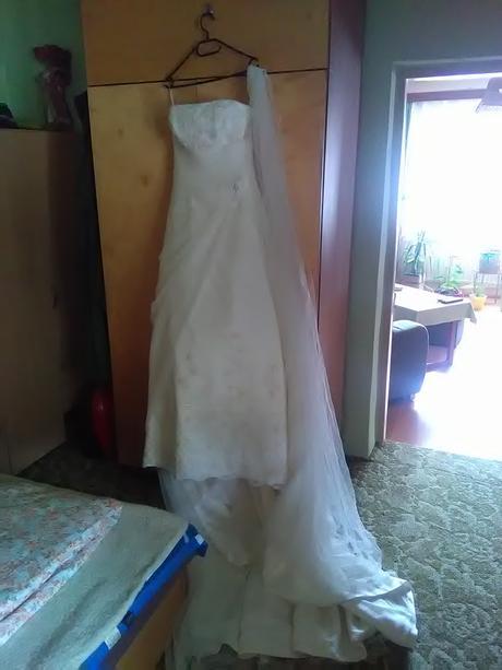 Svatební šaty Benjamin Roberts, 38