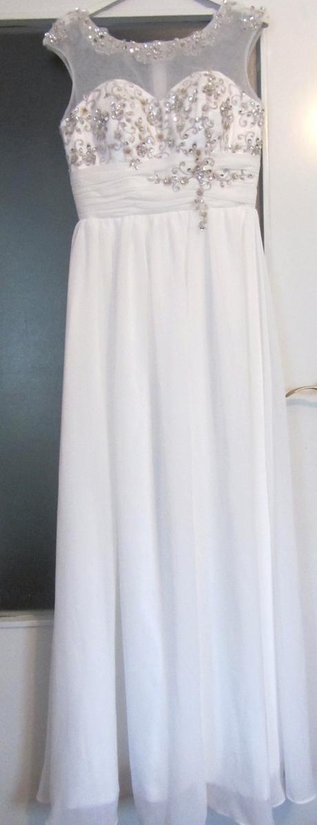 jednoduché značkové šaty, 34