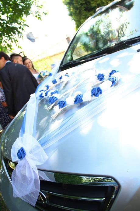 Svatební výzdoba na auta, podvazek, zbytek výzdoby,