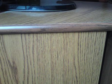 rohovy stolik pod TV/ rohova komoda,