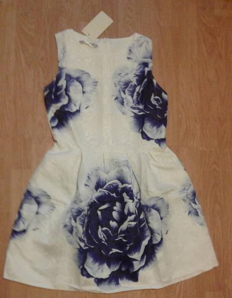 saty s modrym kvetom vel 152/158,-S 18e+posta sirk, 158
