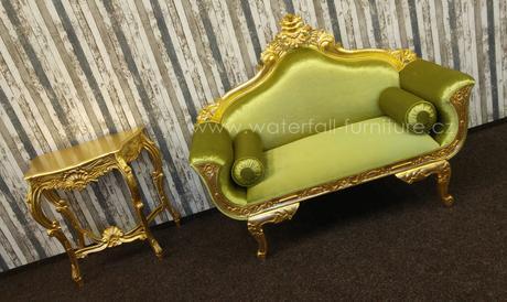 Zelené retro zámecké sofa,