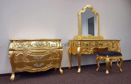 Zlatá zámecká toaletka,