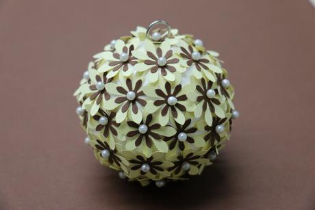 Ozdobná děrovačka 15 mm - květ,