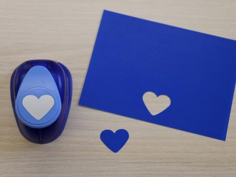 Ozdobná děrovačka 22 mm - srdce,