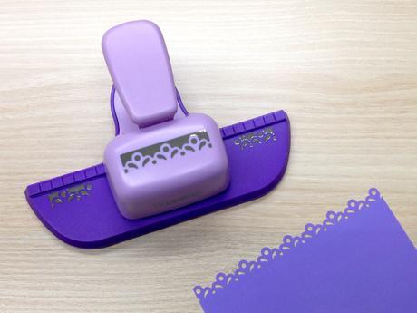 Ozdobná děrovačka okrajová bordura - slzičky,