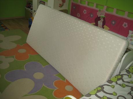 penovy matrac,