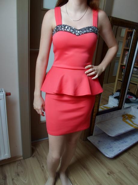 Červené korálové šaty, S