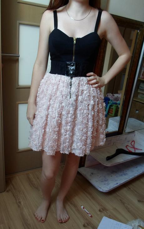 Čierne šaty s ružovou sukňou, S