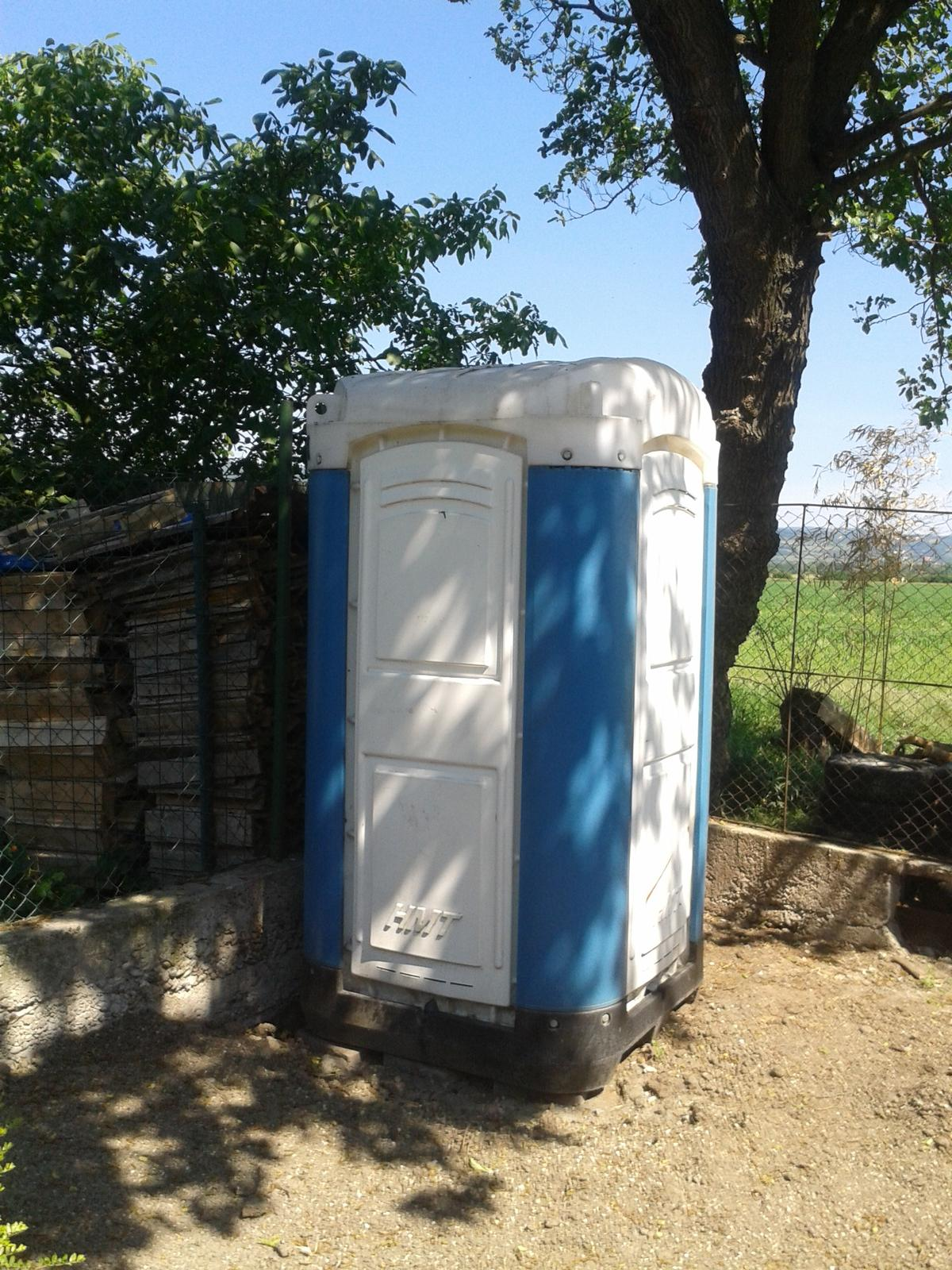 mobiln wc toi toi 300 baz r pre b vanie. Black Bedroom Furniture Sets. Home Design Ideas