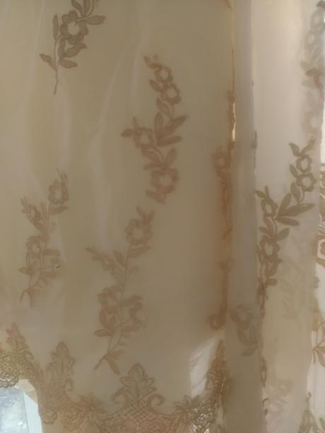 Svatební šaty 38-40 s krásnou vlečkou, 38
