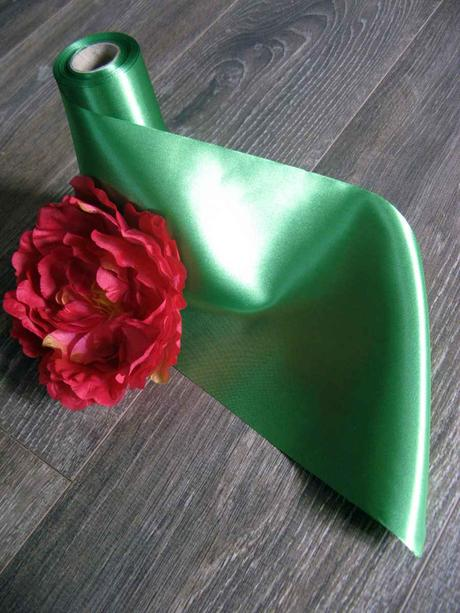 Saténová stuha zelená 16cmx9m,