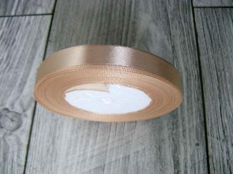 Saténová stužka krémová - True Cream 12,5mmx32m,