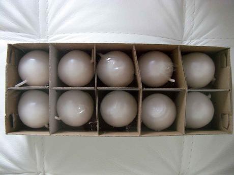 Sviečka guľa 4,5cm biela perleť,