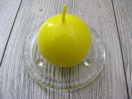 Sviečka guľa 6cm citrónovožltá lakovaná,