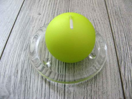 Sviečka guľa 6cm jabĺčková matná perleť,