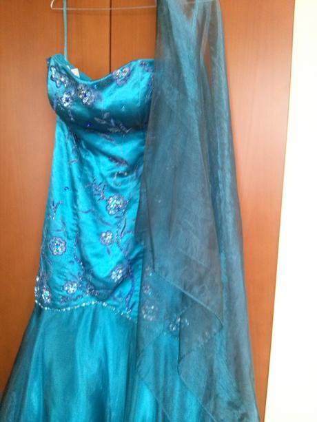 Plesové spoločenské šaty vhodné aj ako popolnočky, 38