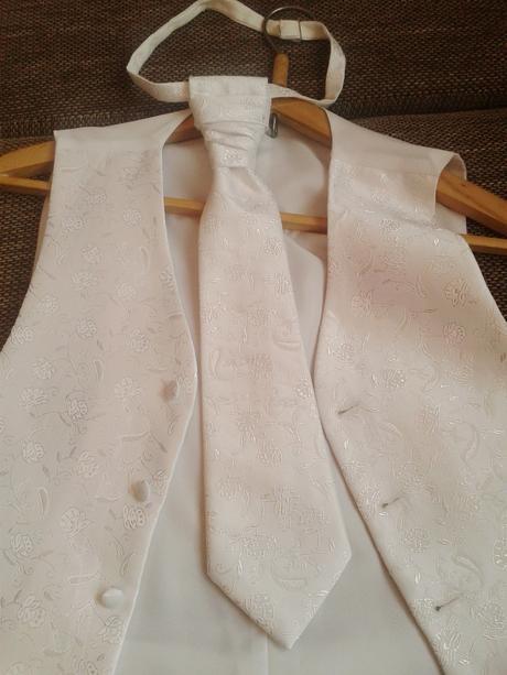 Svadobná snehovo-biela vesta- Akcia, 52