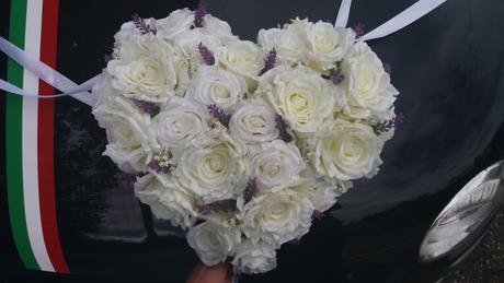 Srdce velke svadobne na kapotu,