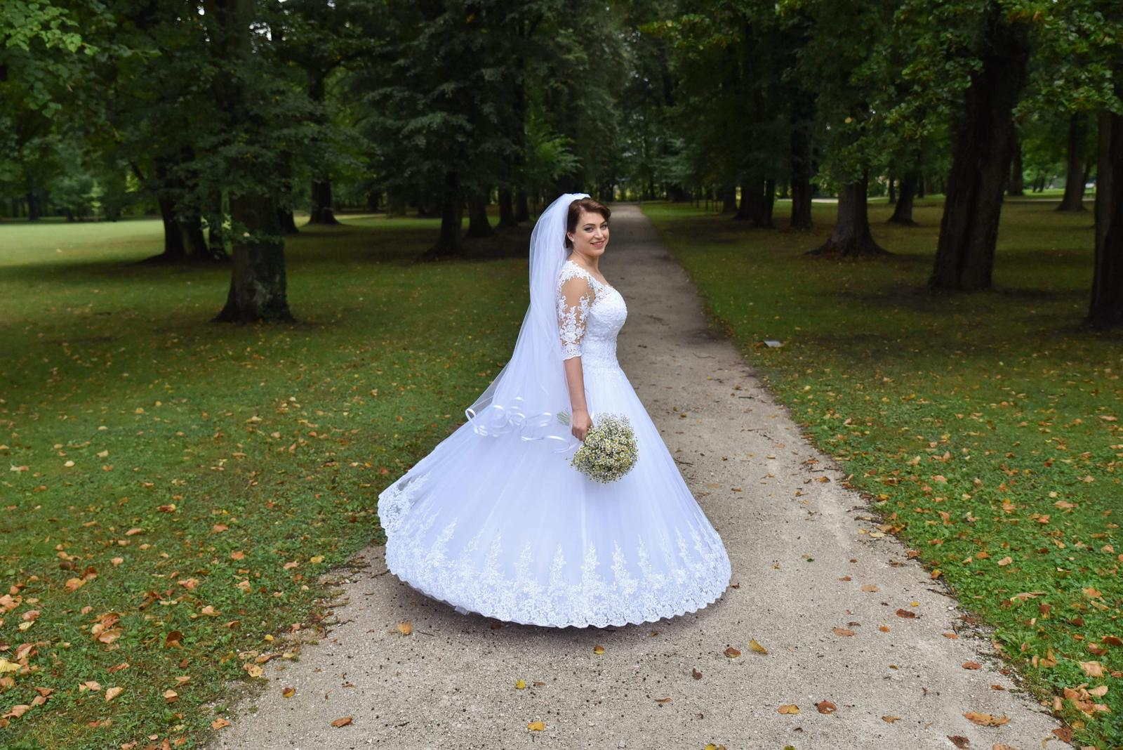 552e9f6fadc Krajkove svadobné šaty