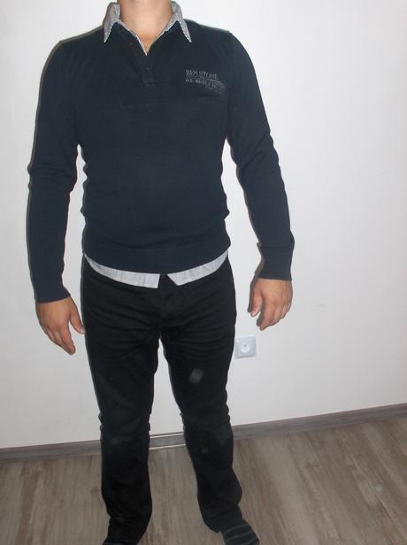 sveter Takko, S