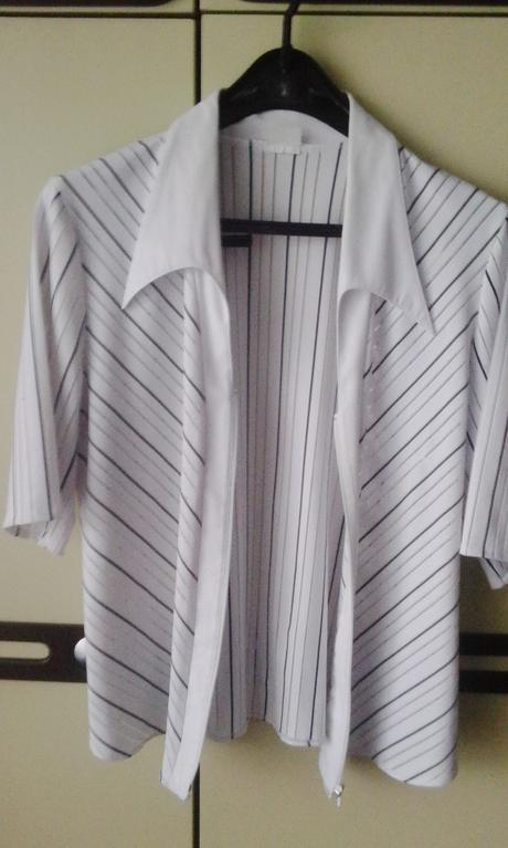 bielocierna bluzka, 42