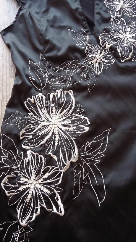 Luxusné šaty Jane Norman, 38