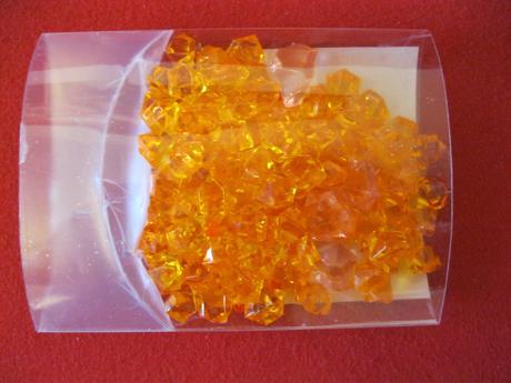 oranžové krystalky,
