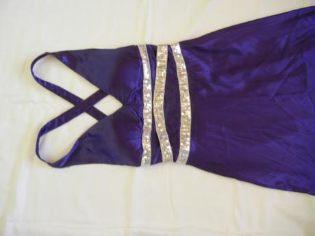 Prekrásne saténové šaty, S