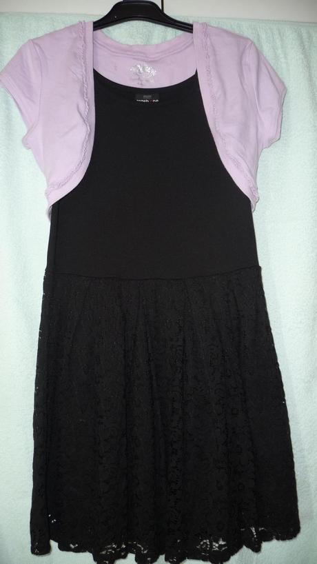šaty s čipkou, 158