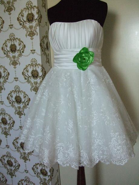 z predu krátke svadobné šaty, 36