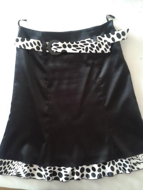 čierna saténová suknička, 40