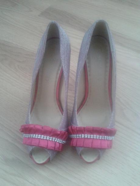 Cyklamenové topánky, 36