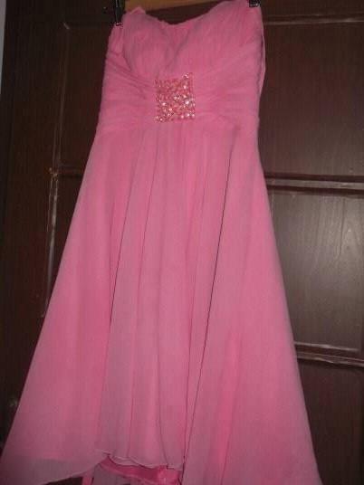 kratšie šaty, M