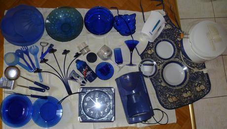 Modré domáce potreby od 0,50eu/kus,