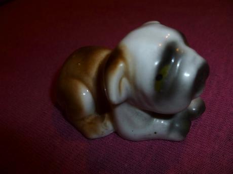 Psík z porcelánu,