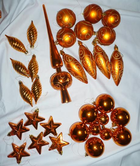 Vianočné ozdoby oranžovo-zlaté 32 ks,