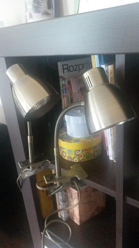 Stolová lampa s klipom,